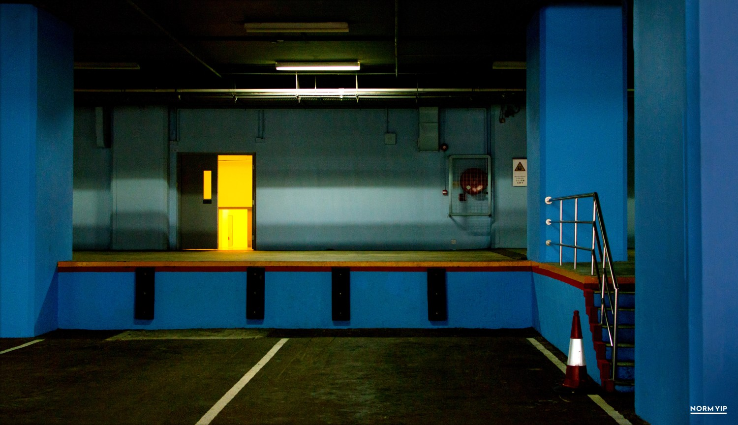 Urban photography of Hong Kong by visual artist Norm Yip.